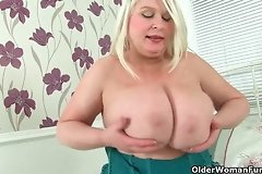 asshole,bbw,boobs,british,busty,closeup,cougar,dildo,fun,girl,mature,milf,mom,old,older,stockings,woman,women,